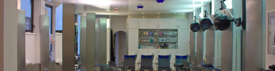 Spanndecken Reinigung im Friseursalon