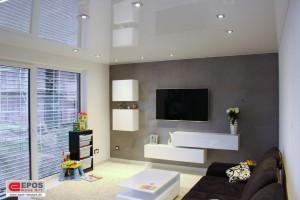 Spanndecke glanzend im Wohnzimmer mit LED Beleuchtung